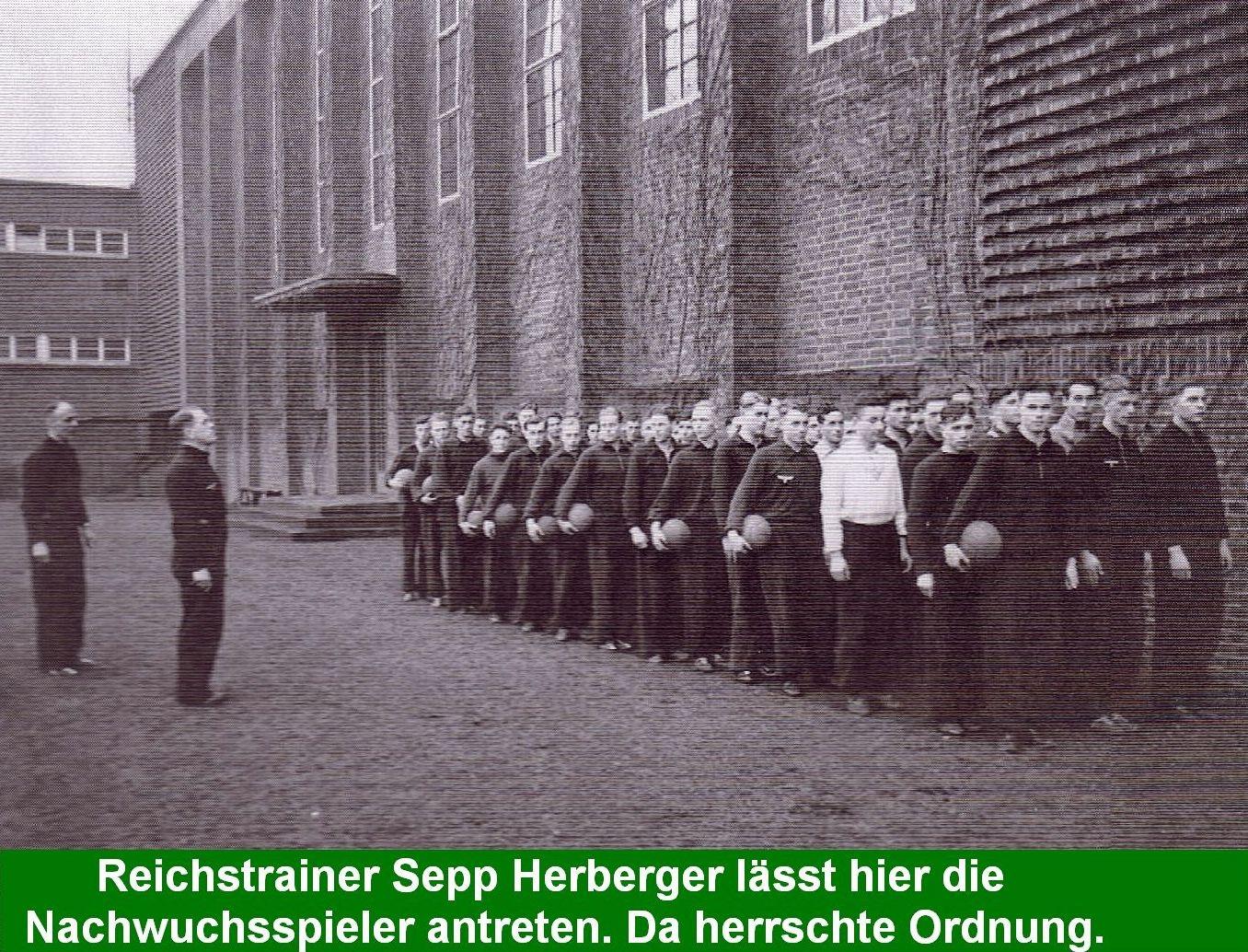 Reichstrainer Sepp Herberger